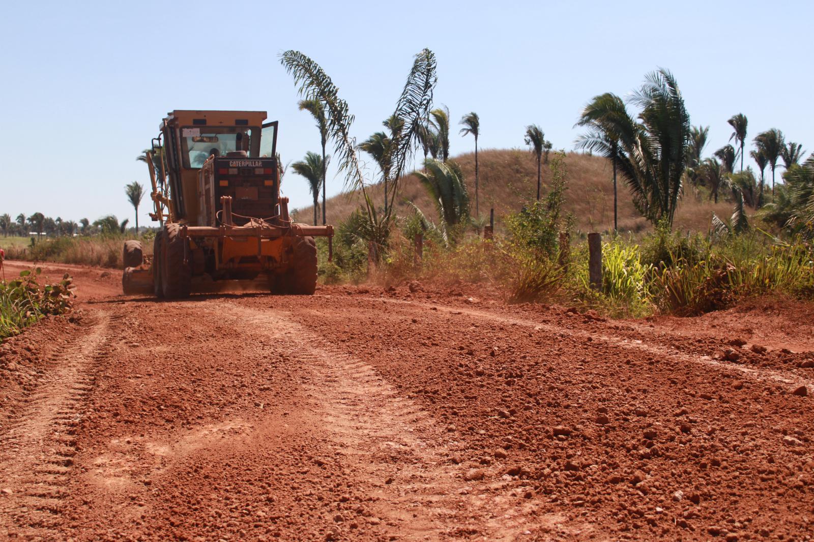 Secretaria de Obras intensifica trabalhos de manutenção de estradas vicinais na região da Trizidela, em Codó
